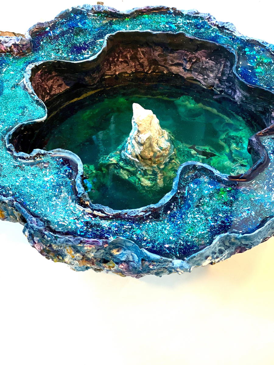The Berg Geode | Interior view with whale