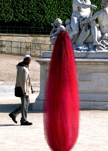 Cocoons | Installation view | Jardin Des Tuilleries, Paris, July 2007